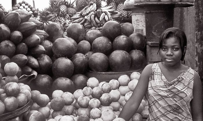 photoblog image FRUIT: Seller
